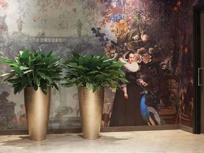 Vita Vase Medium in Light Gold